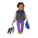 Lori Dukke med Terrier hund