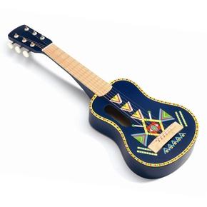 Guitar i træ